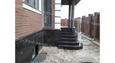 Уличная лестница из гранита Тан Браун термообработанная