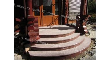 Радиальная лестница из гранита Нью Империал Ред
