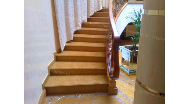 Лестница травертин Голд