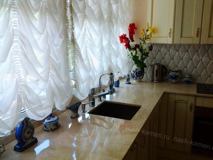 Кухонная мраморная столешница (мрамор Крема Нова)