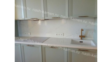 Столешница на кухню из кварцевого агломерата Викостоун «Калакатта» (белый Вьетнам)
