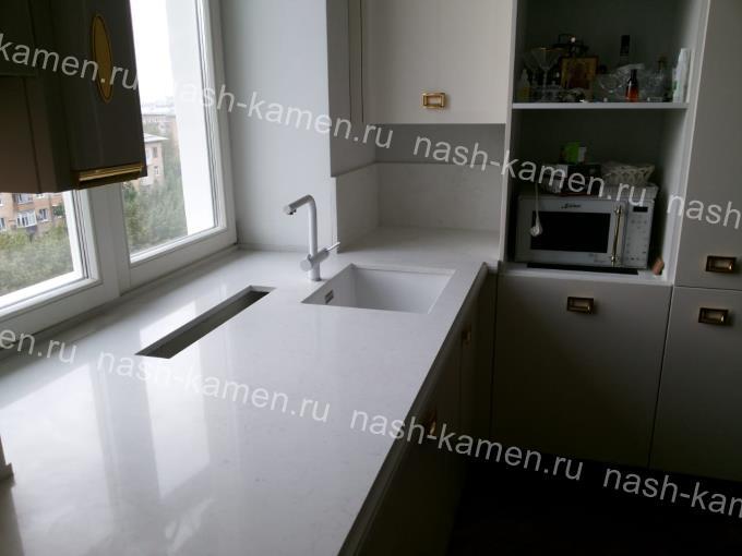 Столешница для кухонного гарнитура из кварца Иллюзион