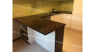 Столешница на кухню из кварца Технистоун «Гоби Браун» коричневого цвета