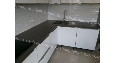 Столешница на кухню из кварца Технистоун «Про Шторм» серого цвета