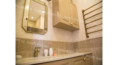 Столешница в ванную комнату из кварцевого агломерата Самсунг «Marblelucemlake» (белый Корея)