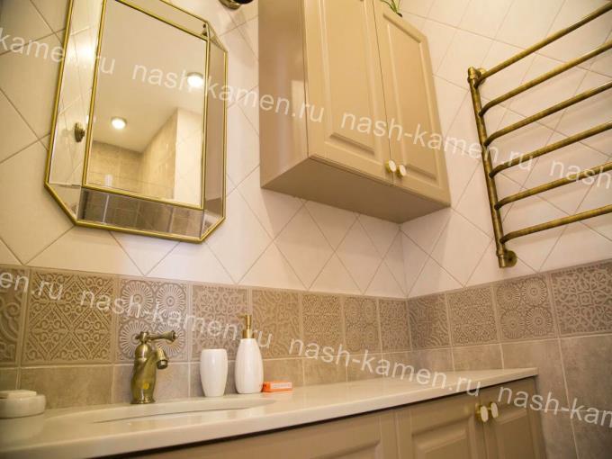 Столешница под раковину в ванную из кварца Marblelucemlake
