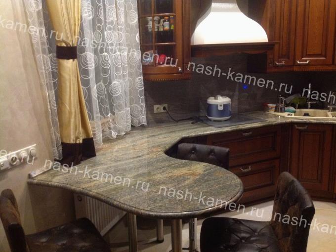 Кухонная поверхность из гранита Вира Джупарана