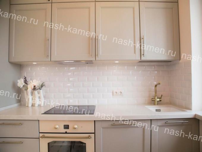Кухонная столешница переходящая в подоконник Samsung Lucern Lake LL195