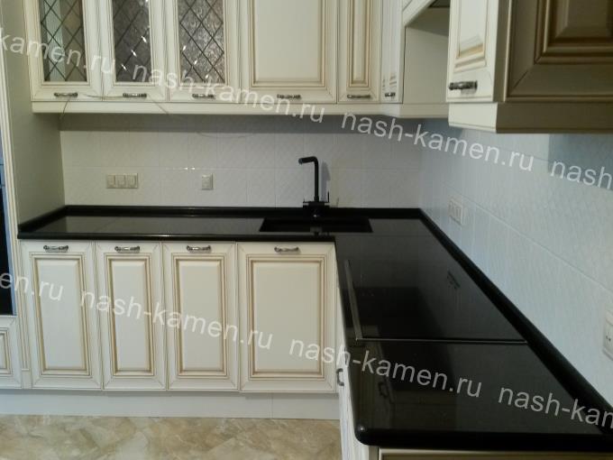 Гранитная кухонная столешница
