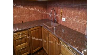 Столешница на кухню из гранита Капустинский