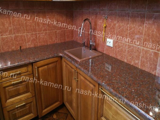 Кухонная столешницу из украинского гранита