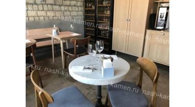Столешница на столики в ресторан из белого мрамора искусственно-состаренного