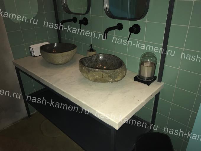 Столешница для ванной с эффектом старины