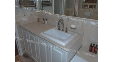 Столешница в ванную комнату из кварца Технистоун «Нобле Боттичино» бежевая