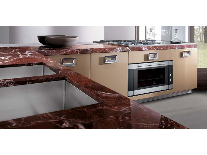 Столешница для кухни из натурального мрамора Rosso Levanto